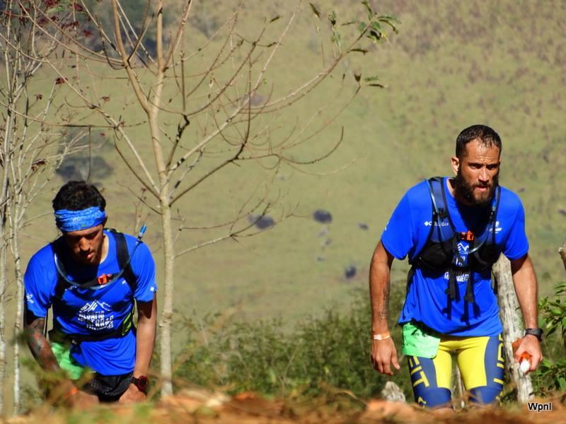 Dupla de trail runners Pedro Lutti e Diego Brandão no desafio da Serra